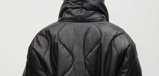 Post de Original, de piel y supertrendy, así es la chaqueta de Mango que debes comprar
