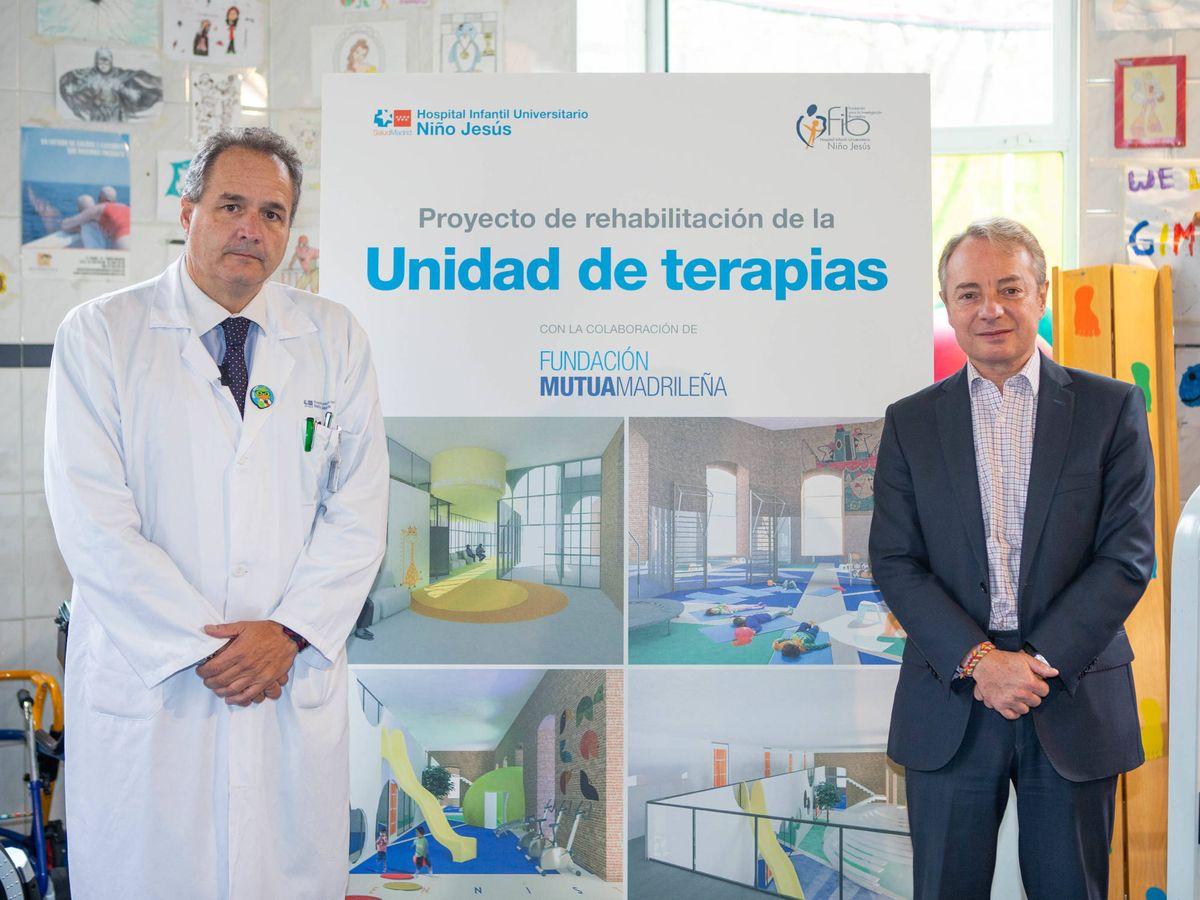 Foto: César Gómez, gerente del Hospital Niño Jesús y Lorenzo Cooklin, director general de Fundación Mutua.