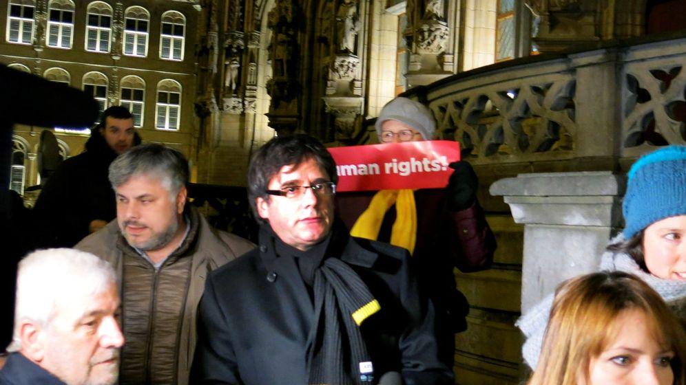Foto: El expresidente catalán Carles Puigdemont durante una concentración en Lovaina. (EFE)