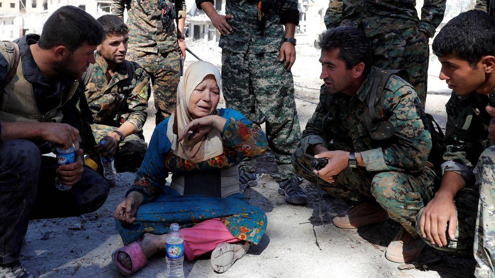 Era una vida en negro: historias de mujeres en la 'capital' del ISIS