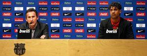 Foto: El futuro de Frank Rijkaard no está decidido, según Txiki Beguiristain