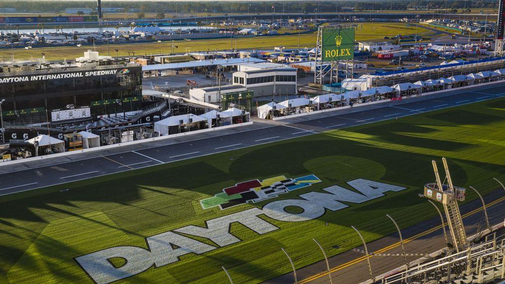 Foto: Fernando Alonso llega a Daytona Beach, la cuna de la velocidad. (EFE)