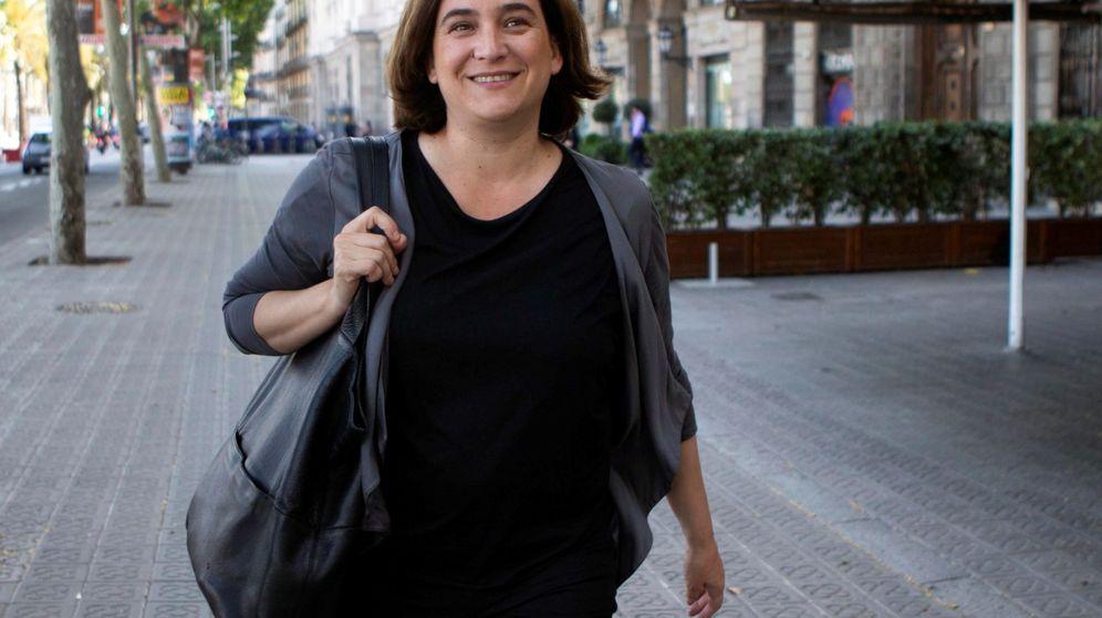 Foto: La alcaldesa de Barcelona en funciones, Ada Colau, tras reunirse el miércoles con el candidato de ERC a la alcaldía, Ernest Maragall. (EFE)