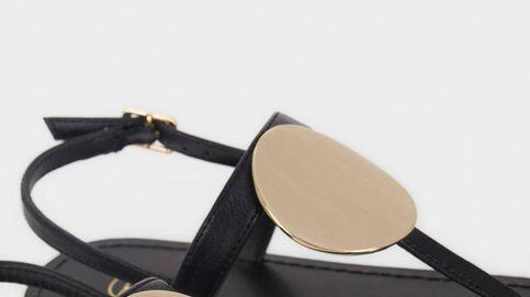 Las sandalias negras básicas de este verano están en Parfois por menos de 16 euros