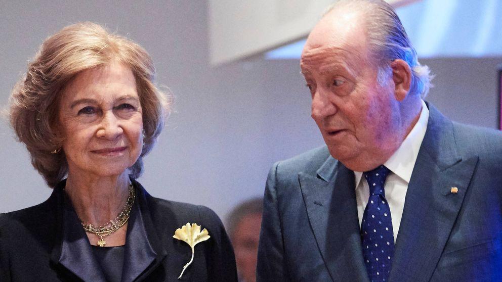 Don Juan Carlos y doña Sofía, en la exposición sobre los 40 años de la democracia