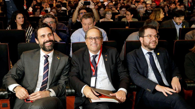 Torrent (i), Torra (c) y Aragonès, en el encuentro fundacional de la Asamblea de Cargos Electos. (EFE)