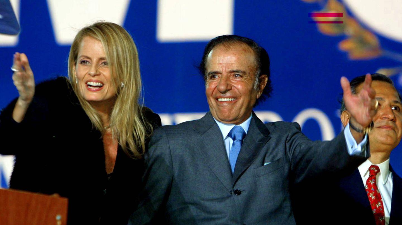Cecilia Bolocco, junto a Menem en una imagen de archivo. (Getty)
