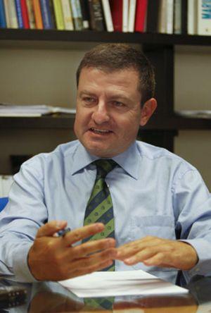 Sinde destituye de forma fulminante a Ignasi Guardans como director del ICAA
