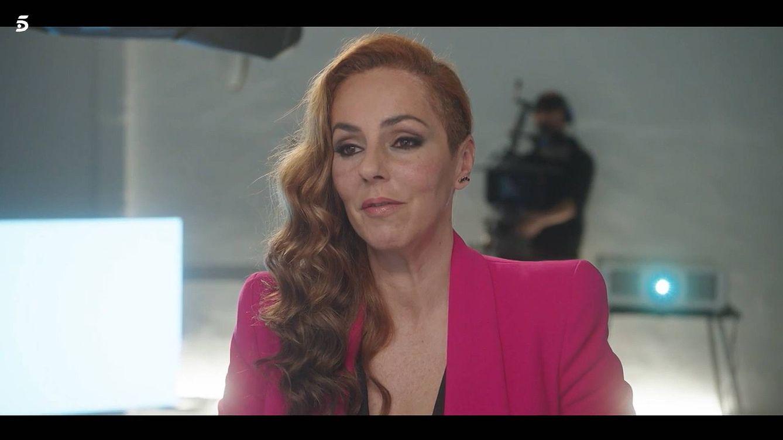 60 horas de cinta, un estreno forzado y miles de euros: qué hay tras la serie de Rocío Carrasco