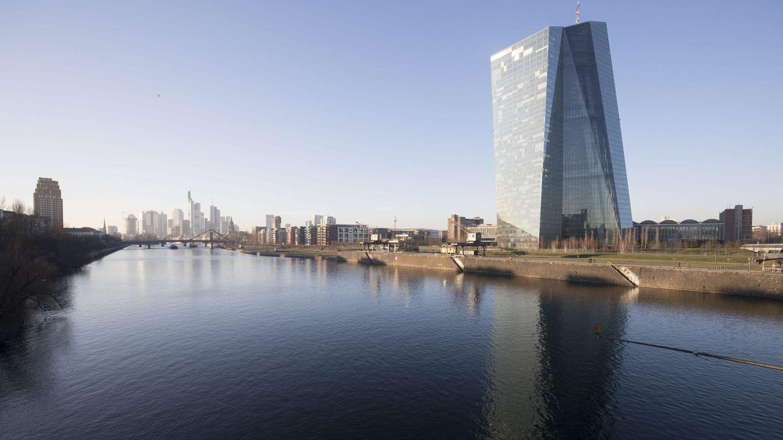 La apreciación del euro alimenta el riesgo de deflación y obliga al BCE a actuar