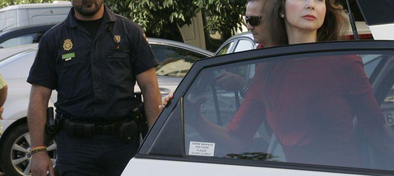 Foto: La juez que investiga los ERE fraudulentos, Mercedes Alaya, a su llegada a los juzgados de Sevilla. (EFE)