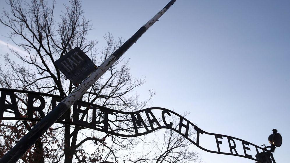 Foto: El trabajo os hará libres: así se recibía a quienes llegaban a Auschwitz (EFE EPA/Lukasz Gagulski)