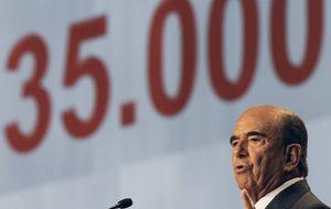 Santander se alía con la banca en la sombra mientras el resto se asusta