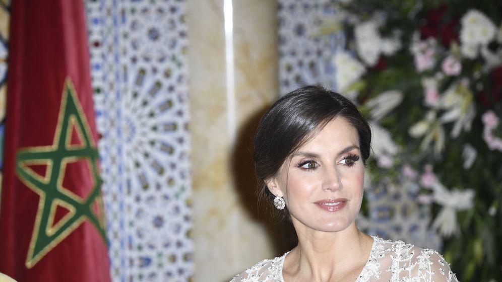 Foto: La reina Letizia durante la cena. (Limited Pictures)