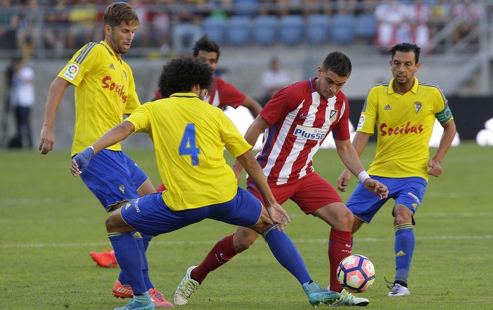 Foto: El Cádiz sorprendió al Atlético (Román Ríos/EFE).