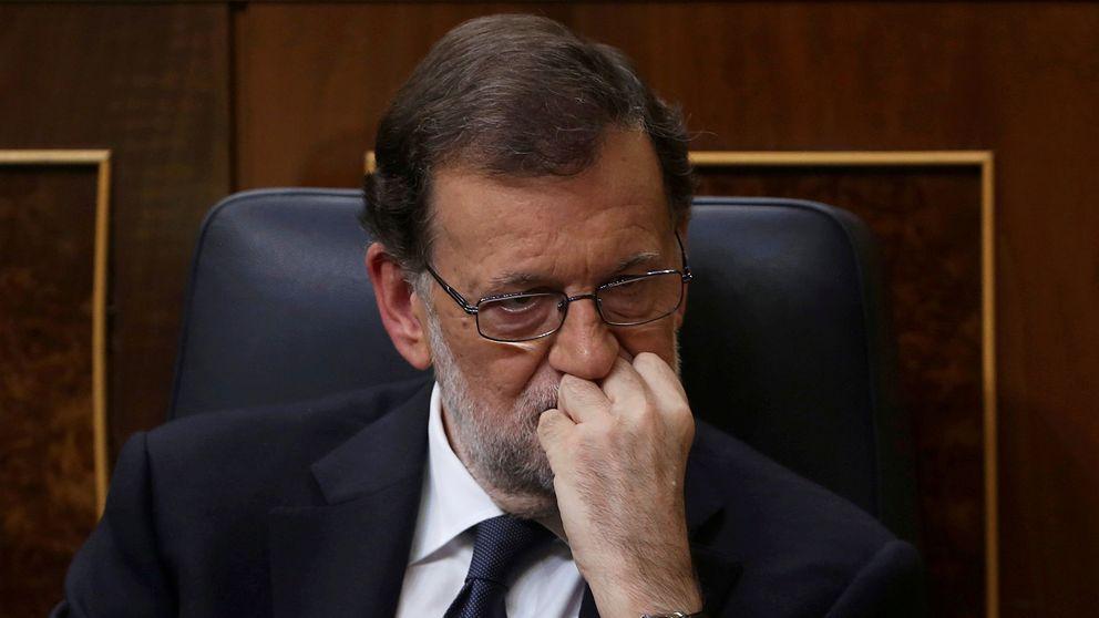 Rajoy cita a sindicatos y empresarios para el diálogo social y las pensiones