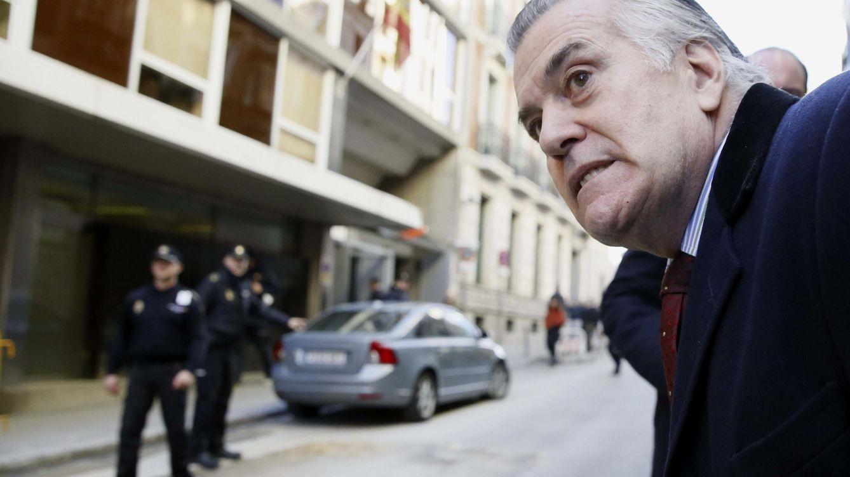 Foto: El extesorero del PP Luis Bárcenas, a su llegada a la Audiencia Nacional (EFE)