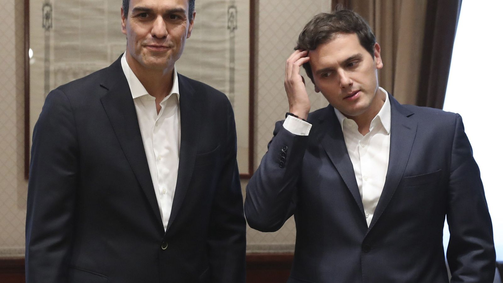 Foto: El secretario general del PSOE, Pedro Sánchez (i), y el presidente de Ciudadanos, Albert Rivera. (EFE)