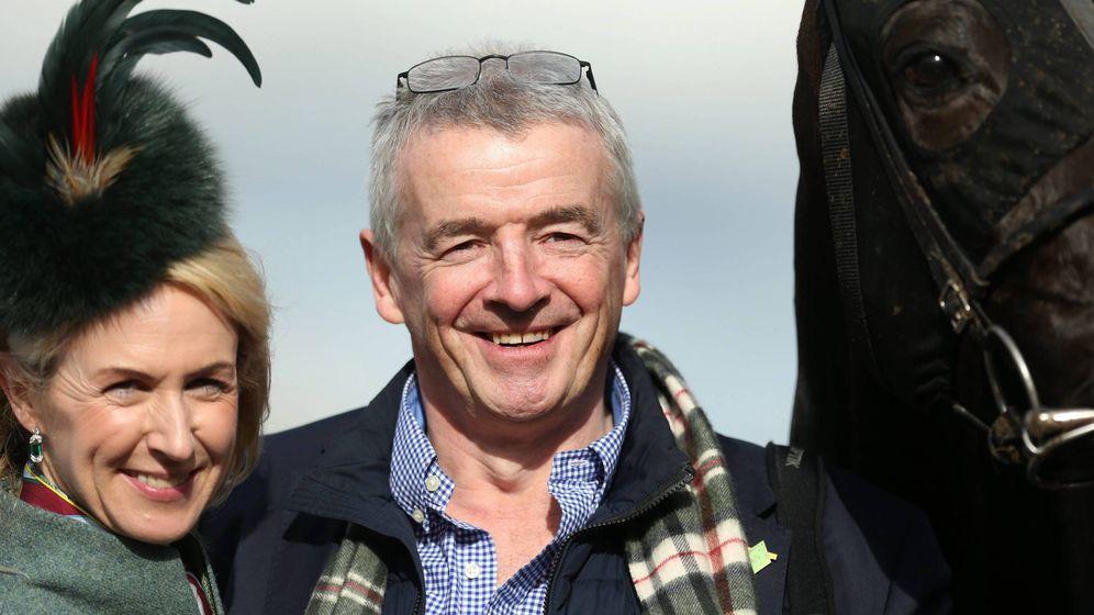 Foto: Michael O'Leary junto a su esposa. (Cordon)