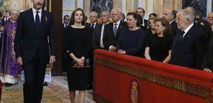Post de Doña Letizia, de funeral con un vestido de 2.500 euros