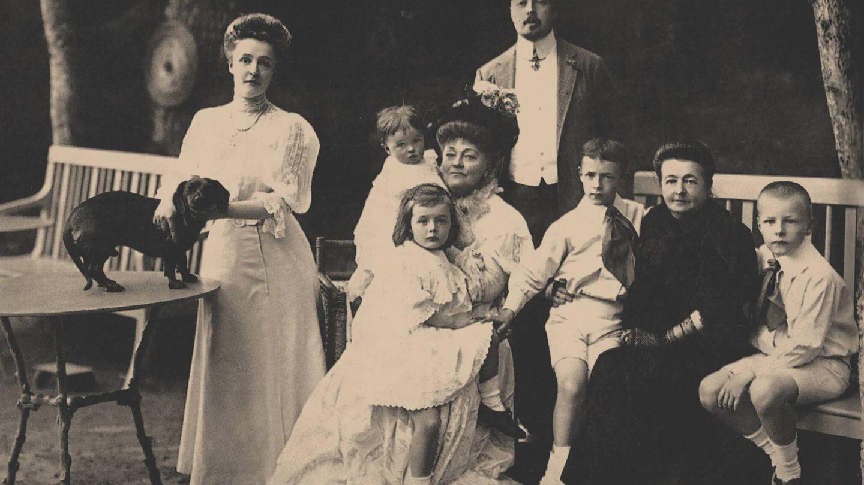 Familia Nabokov en un constante exilio