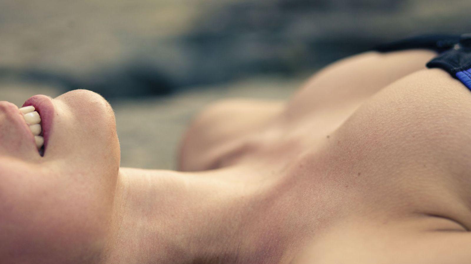 Foto: Tendrán menos que ellos, pero no hay duda de que sus orgasmos son mucho más intensos. ¿Y si los mejoramos todavía más? (iStock)