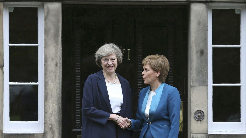 La impulsora del Brexit quiere impedir un 'Scotexit': May ofrece más competencias