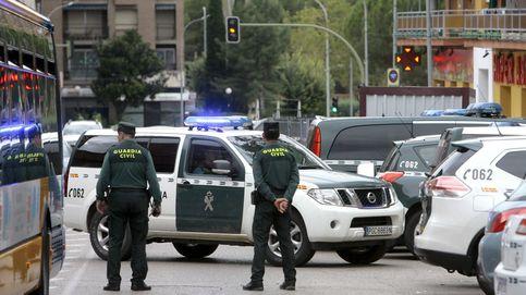 Dos menores detenidos por intentar atropellar a agentes con un coche robado