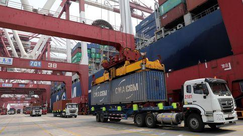 Vuelven las exportaciones: el déficit comercial se reduce un 57% hasta marzo