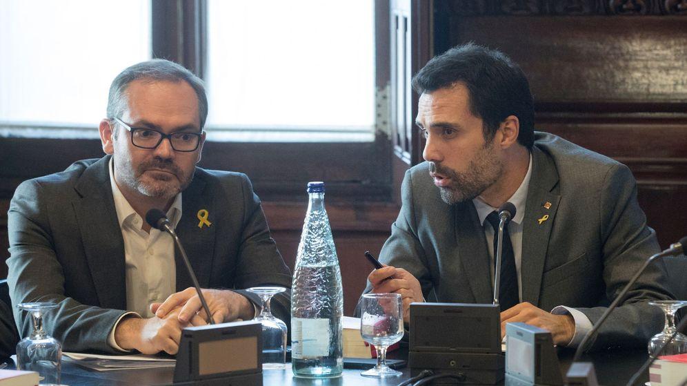 Foto: Roger Torrent y Josep Costa. (EFE)