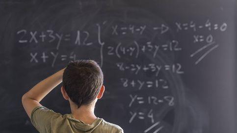 Un niño de 12 años se gradúa al mismo tiempo en el colegio y en la universidad