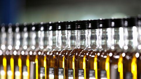 De la aceitera rellenable a la monodosis de plástico: el gran dislate del aceite de oliva