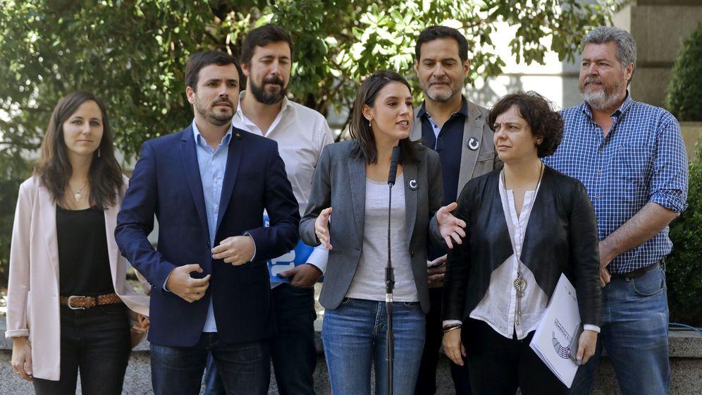 Foto: La portavoz de Unidos Podemos en el Congreso, Irene Montero (c), junto al coordinador federal de IU, Alberto Garzón (2i), representantes de En Marea, En Comú y Equo. (EFE)