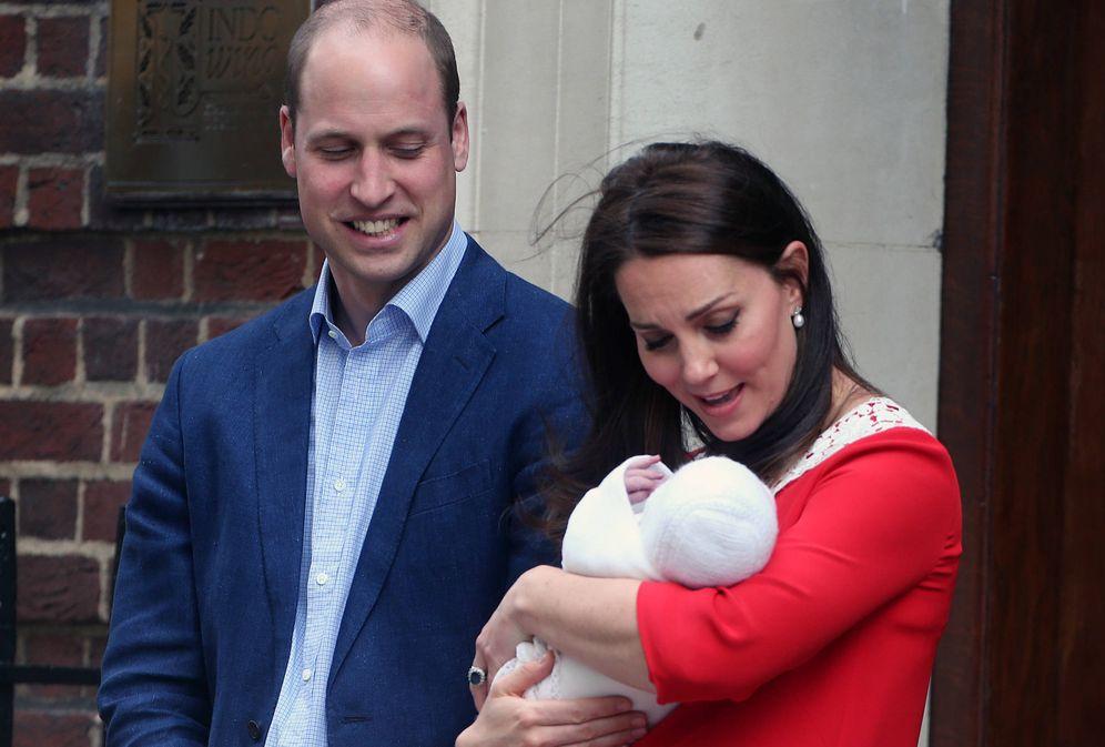 Foto: Guillermo, Kate y el pequeño Louis.(Gtres)