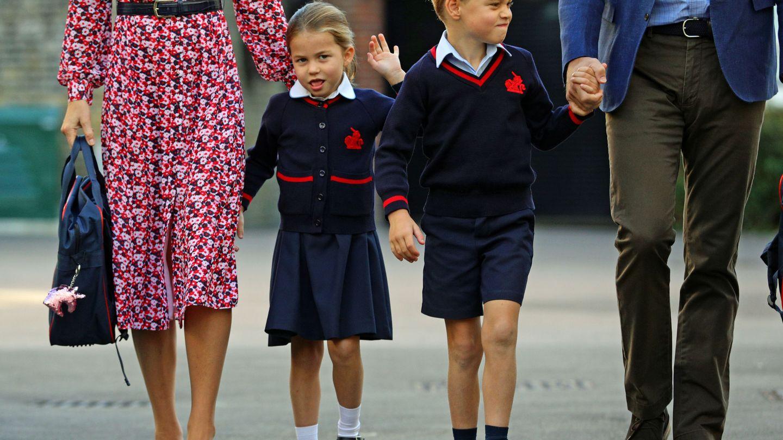 George y Charlotte en su primer día de cole. (Reuters)