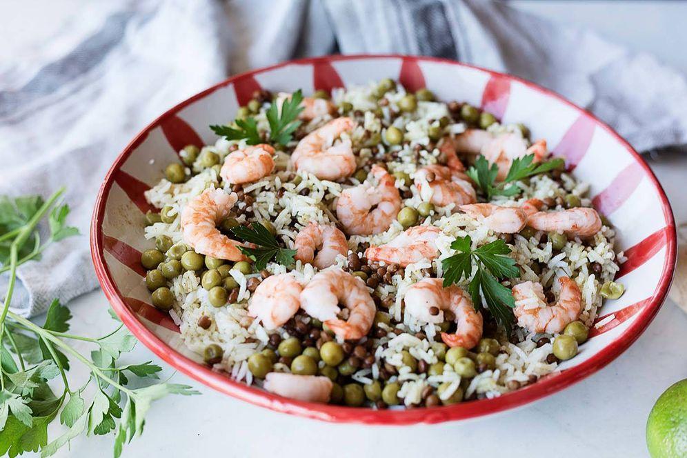 Foto: Preparar esta ensalada de arroz y legumbres es facilísimo. (Snaps Fotografía)