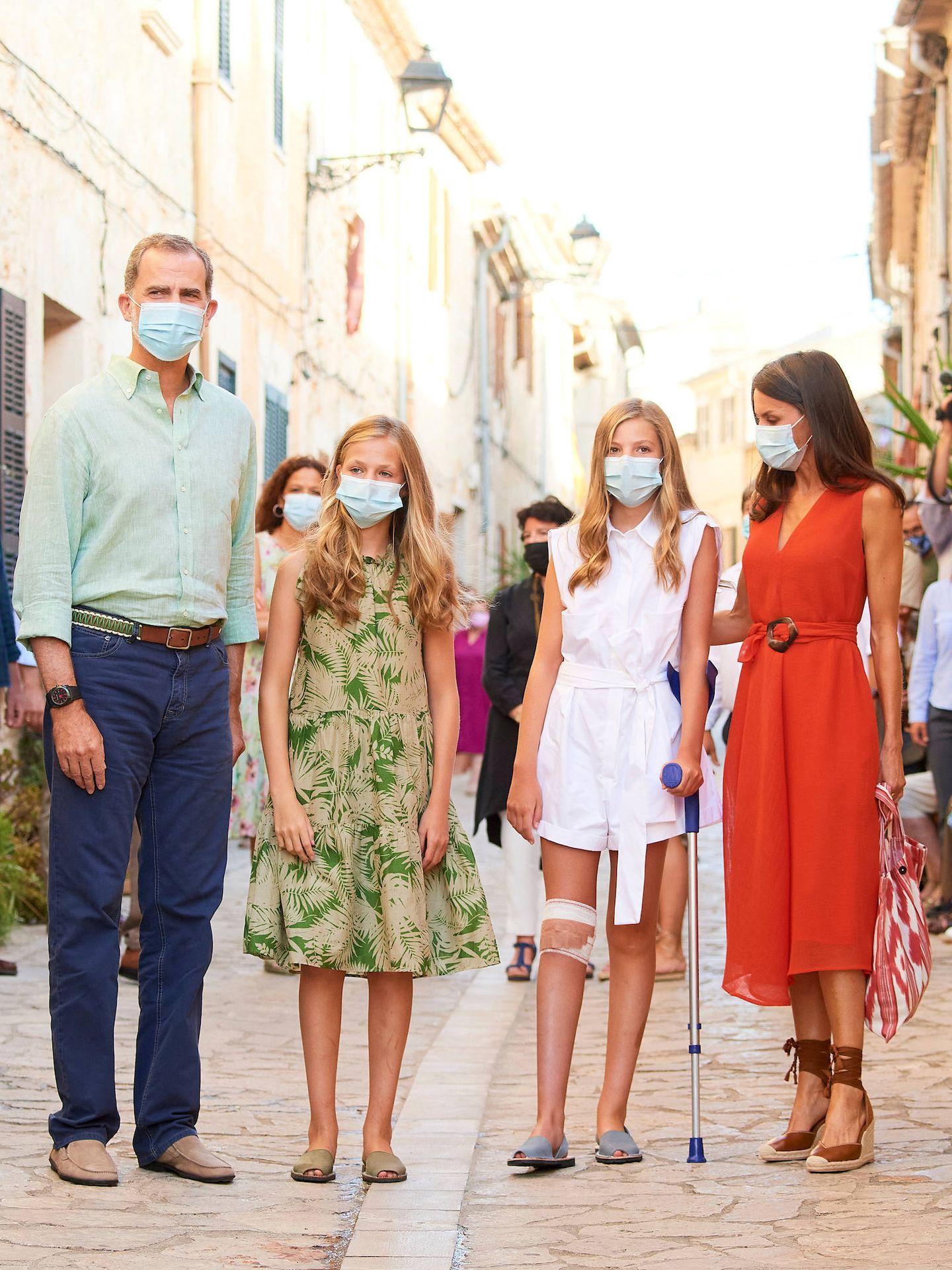 Los Reyes y sus hijas, en Mallorca. (Limited Pictures)