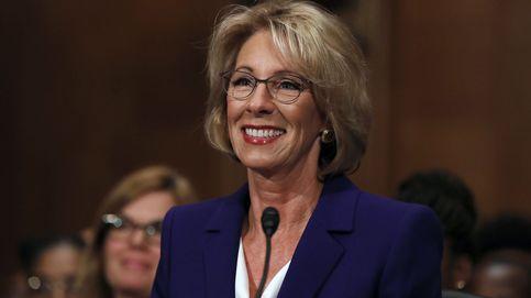 Desempate histórico para que DeVos sea 'ministra' de Educación de EEUU