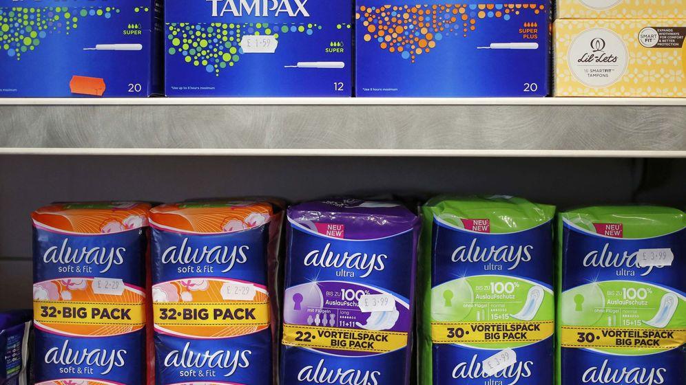 Foto: Tampones y compresas, en una tienda de Londres. (Reuters)