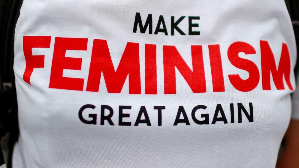 Foto: Una camiseta a favor del feminismo. (Reuters)