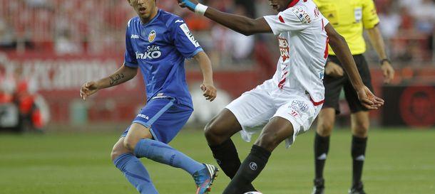 Foto: El mediocentro Geoffrey Kondogbia, en un partido con el Sevilla.