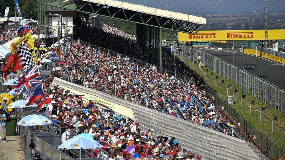 Foto: Hungaroring es uno de los circuitos a los que más aficionados acuden del año. (EFE)