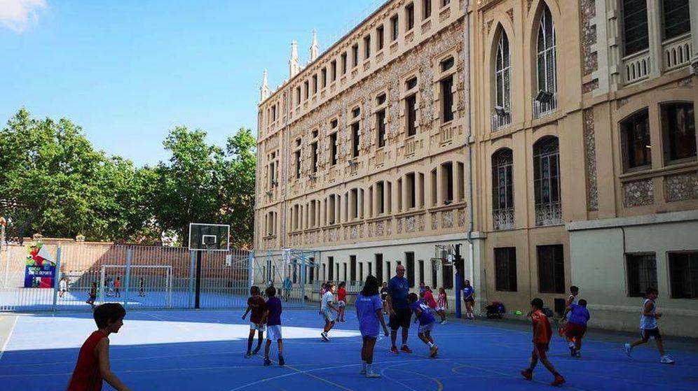 Foto: Patio del colegio El Pilar. (Foto: Web del colegio)