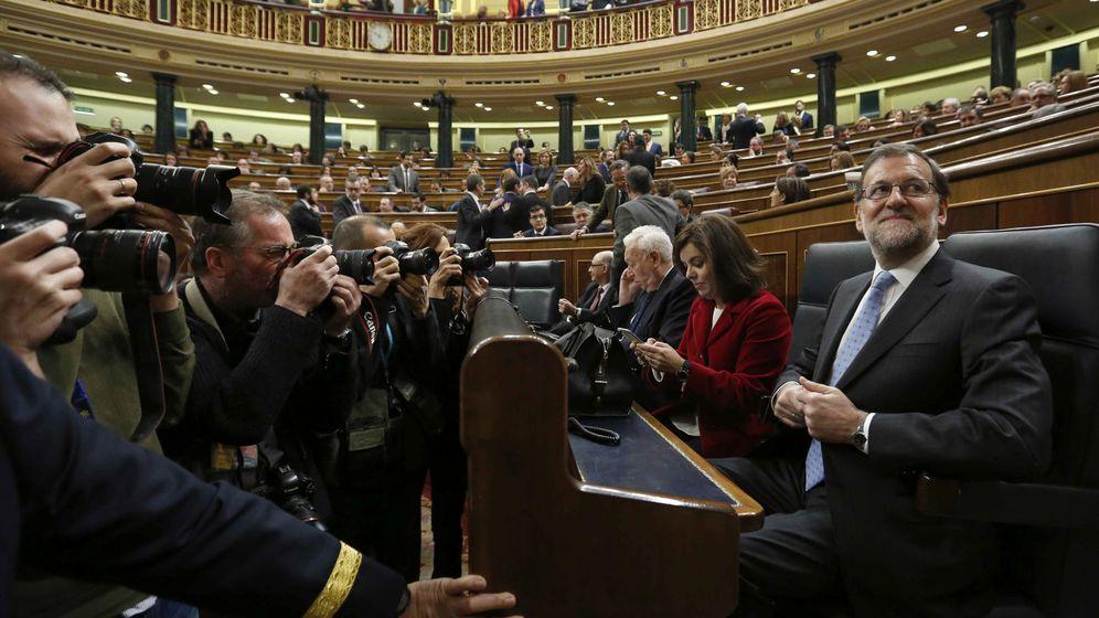 Foto: El presidente del Gobierno en funciones, Mariano Rajoy, es fotografiado en el hemiciclo del Congreso de los Diputados. (EFE)