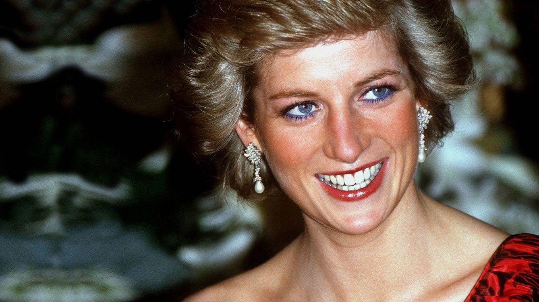La triste realidad detrás de las fotografías de Lady Di y su hermano a principios de los 80