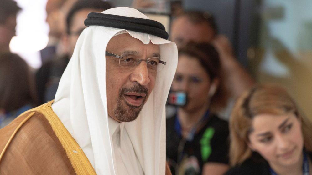 Foto: El ministro de Energía saudí, Jaled al Faleh, a su llegada a una reunión de la Organización de Países Exportadores de Petróleo (OPEP). (EFE)