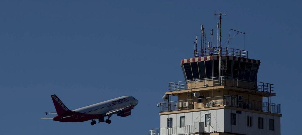Foto: Despegue de un vuelo en el aeropuerto de Tenerife Norte. (Efe)