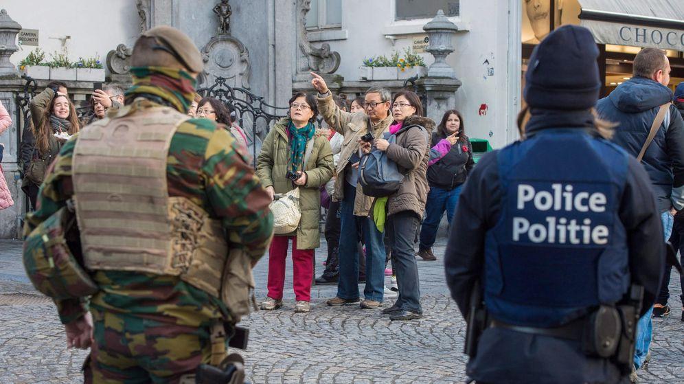 Foto: La Policía y el Ejército custodian las calles de Bruselas. (EFE)