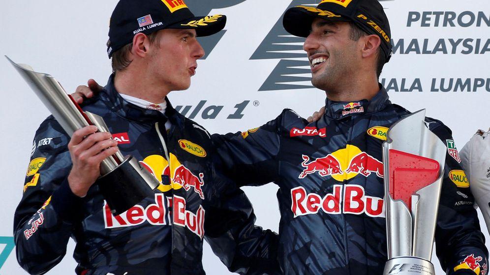 Foto: Ricciardo y Verstappen en el GP de Malasia, la última victoria de Red Bull. (EFE)
