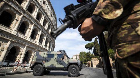 Soldados patrullan las zonas turísticas de Roma